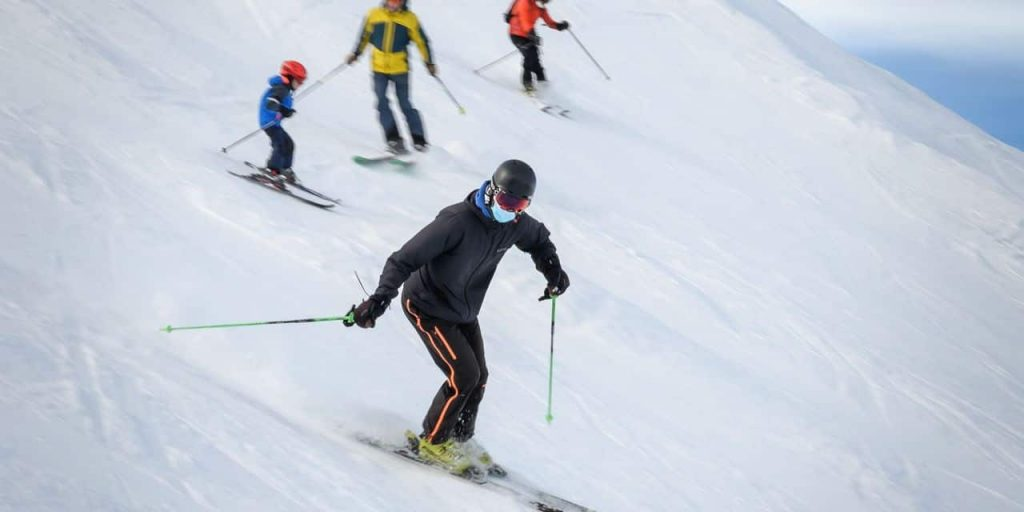 """Will we be able to ski in French resorts this winter?  """"There is no risk in booking"""""""